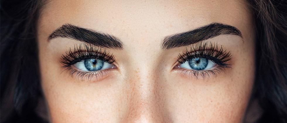 Egal ob dezent-natürlich oder dramatisch-glamourös – ARDELL Wimpern und Augenbrauenprodukte passen zu jedem Look