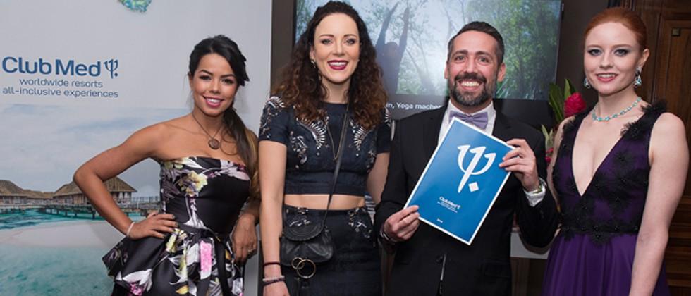 Prominenter Besuch am Stand von Club Med beim Deutschen Filmball