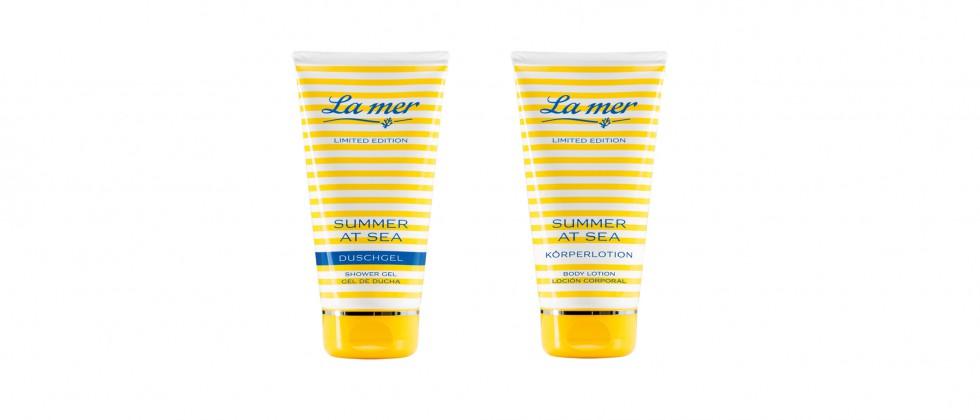 """Das limitierte La mer Beautyset """"Summer at the Sea"""" verwöhnt die Haut mit einem leicht pudrigen Sommerduft."""