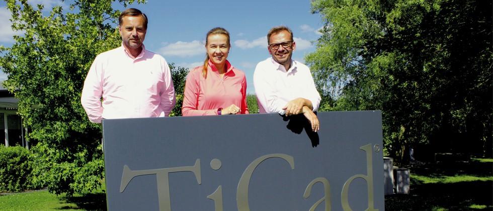 TiCad begrüßt Kristin Berberich im Team (v.l.n.r.: Harald Winkler, Kristin Berberich, Björn Hillesheim)
