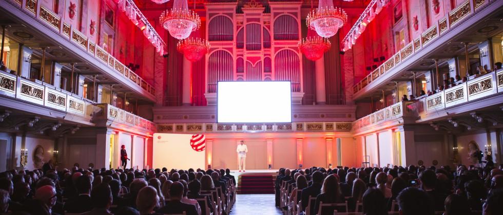 Red dot gala in berlin agentur stern und dic erhalten design award deutscher pressestern - Design agentur berlin ...