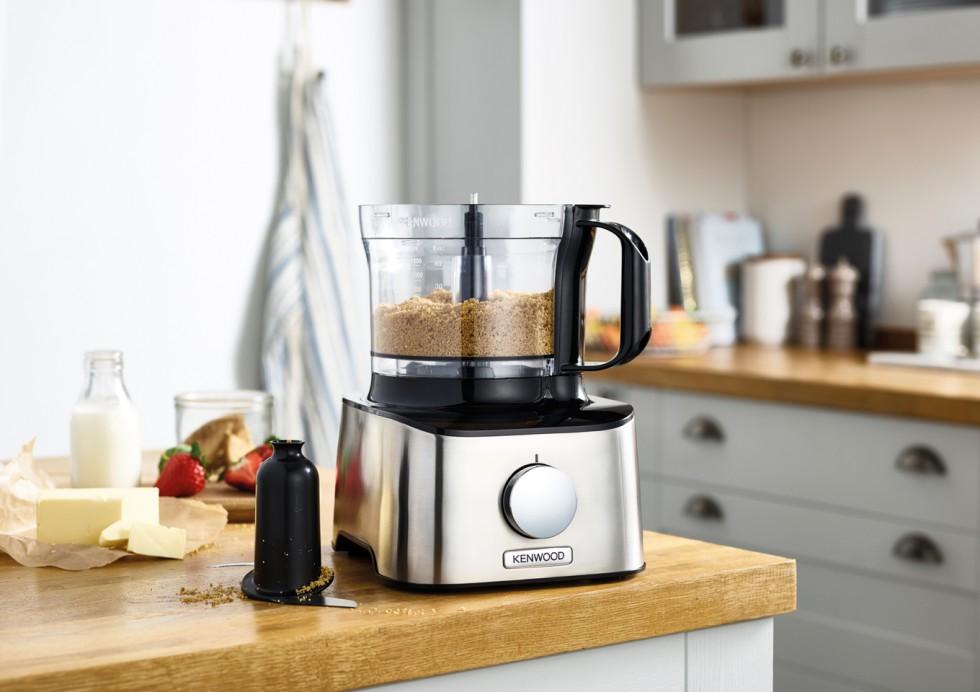 die neue multipro compact von kenwood kompromisslose effizienz bei der speisenzubereitung. Black Bedroom Furniture Sets. Home Design Ideas