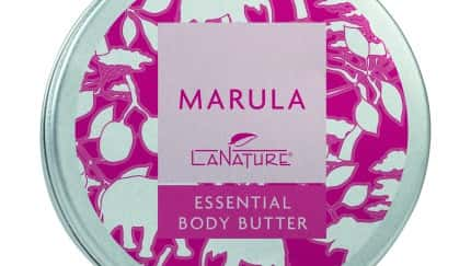 Die neue Marula Essential Body Butter macht trockene und rissige Haut wieder streichelzart weich