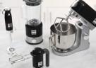 Die kMix Küchenmaschine und die flinken kMix Stand-, Hand- und Stabmixer in Schwarz.