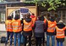 """Im Rahmen der Aktion """"Kehrenbürger"""" säuberte das Team den Berliner Tiergarten in Zusammenarbeit mit der Berliner Stadtreinigung (BSR), sammelte Müll und verschönerte auf diese Weise die Parkanlagen."""