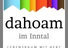 """(Foto: InnZeit Bau GmbH) Das Logo von """"Dahoam im Inntal"""""""