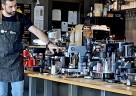 (Foto: GRAEF) Raffaele Iuliucci, SCA Professional Barista, führt das GRAEF Kaffeesortiment vor