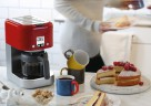 Die kompakte kMix Kaffeemaschine mit praktischer Warmhalteplatte in Rot