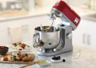 Herzstück der neuen kMix Serie von Kenwood ist die 1.000 Watt starke kMix Küchenmaschine.