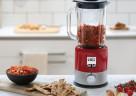 Der 800 Watt starke kMix Standmixer von Kenwood in Rot zaubert leckere Smoothies, Shakes und Suppen im Handumdrehen.