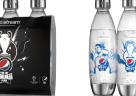 (Foto: SodaStream) Die Limited Edition enthält drei wiederverwendbare 1-Liter-Flaschen mit hochwertigen Metall-Elementen.