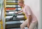 Mit dem QUICK STICK TEMPO von THOMAS gelingt auch die Treppenreinigung kinderleicht.