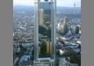 Das TRIANON hat 10.000 Euro an den Verein VITA e. V. Assistenzhunde gespendet.